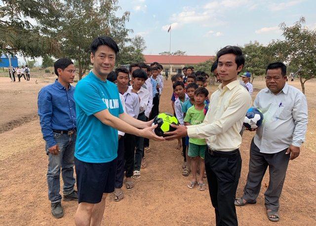 SVOLMEの代表が元フットサル日本代表・北原亘氏らとカンボジアチャリティー